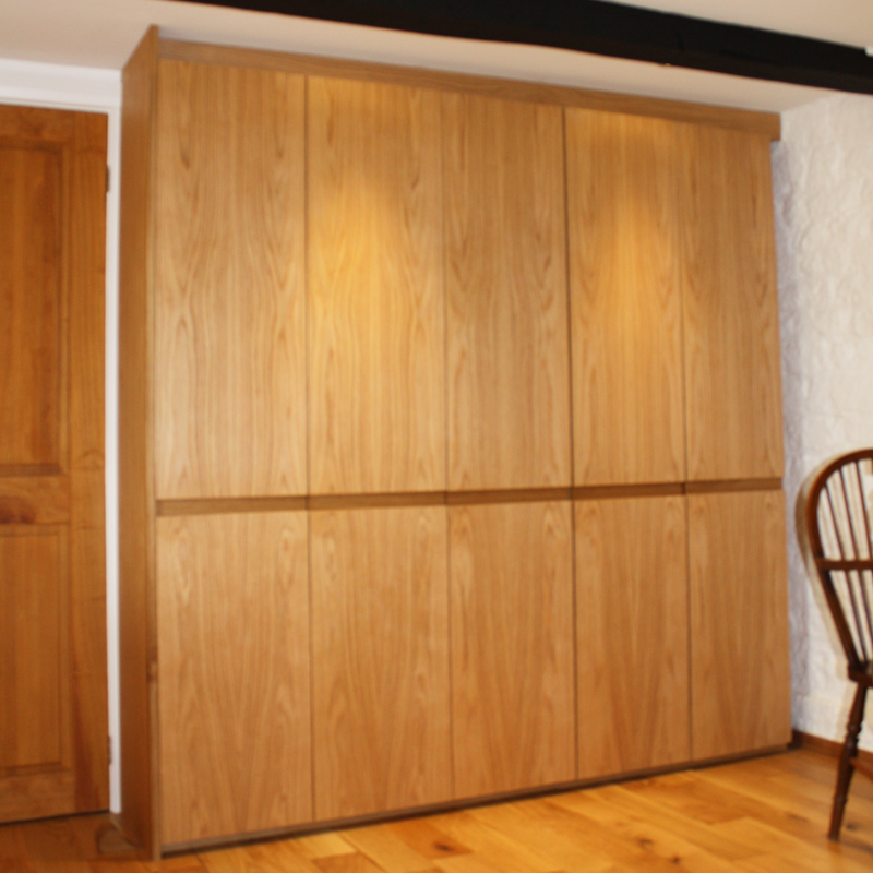 Byply remo alabaster gloss kitchen bespoke oak larder unit for Oak kitchen larder units